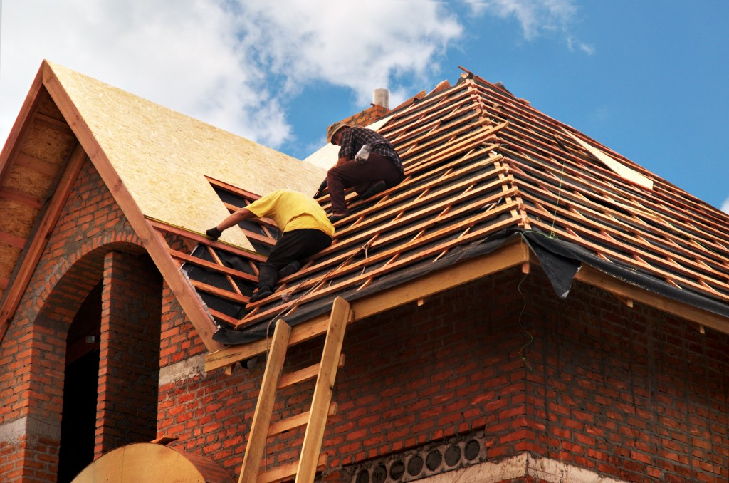 Roof renovation: Which material to choose?